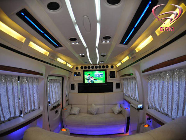 Spacious Amp Luxurious Caravans In India Babbaraju Mobile